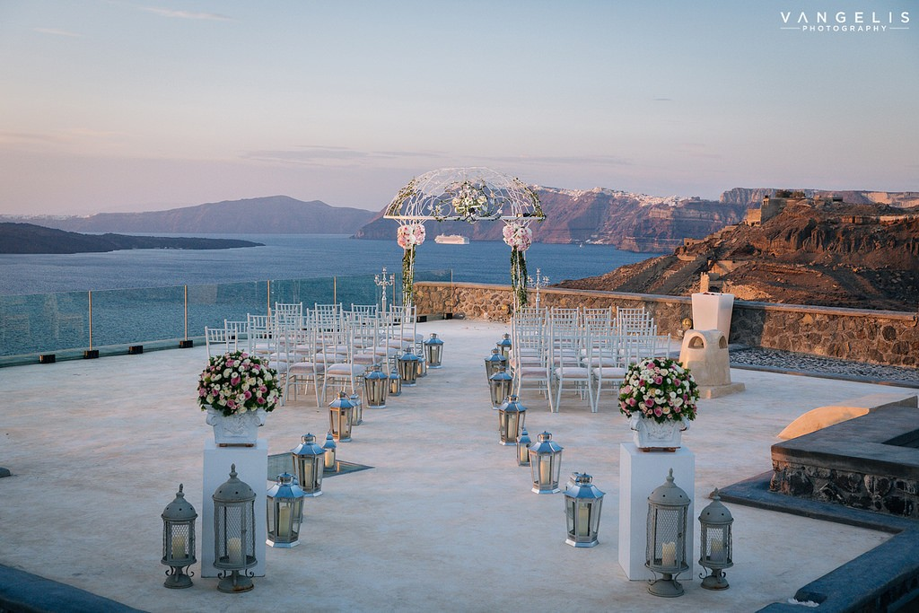 Символическая церемония на Санторини
